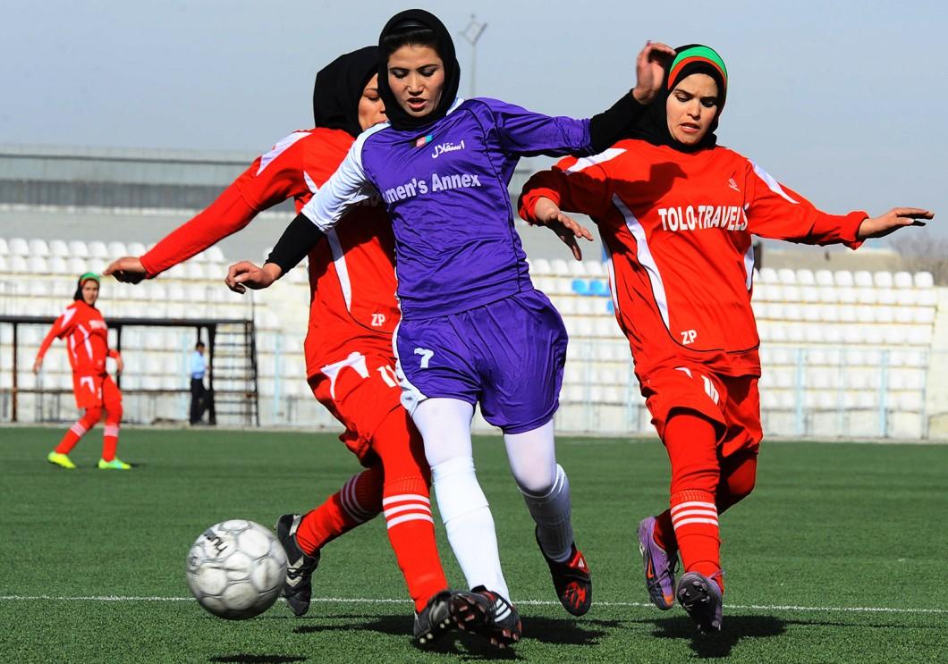 donne velate football
